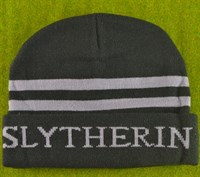 Шапка с надписью Slytherin
